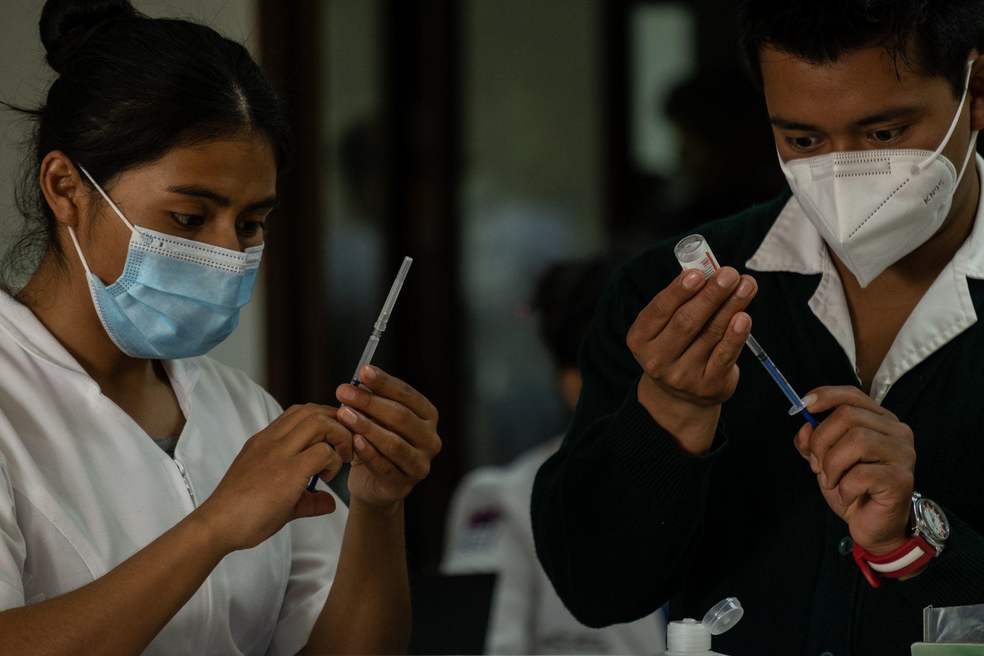 Continúan jornadas de vacunación a adultos de 50 en adelante en Puebla