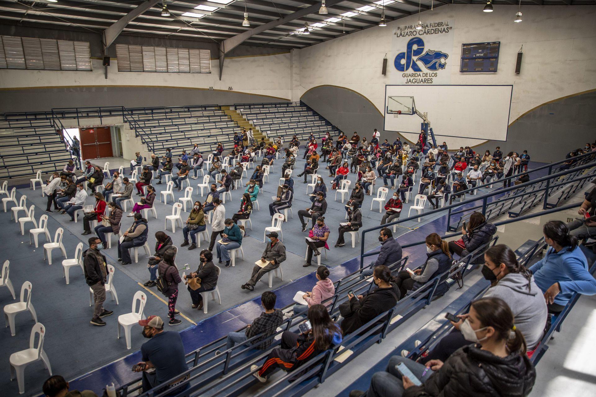 Vacunación de docentes en los primeros cinco estados registra avance de 85%: SEP