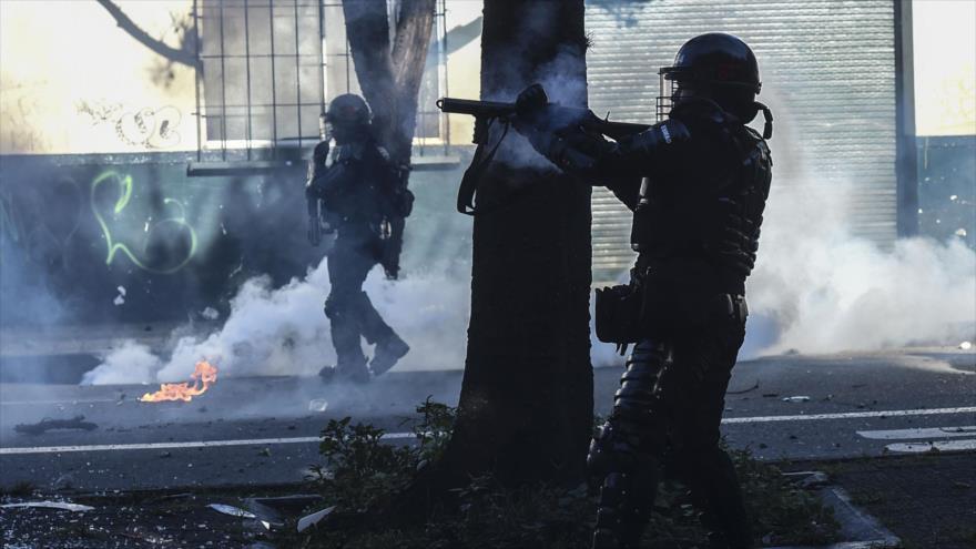 Denuncian que fuerzas policiales disparan a mansalva a civiles en Colombia