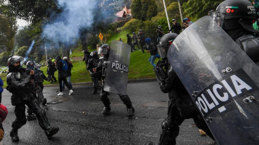Noche violenta en Colombia: Policía vuelve a reprimir con disparos a manifestantes en la ciudad de Cali