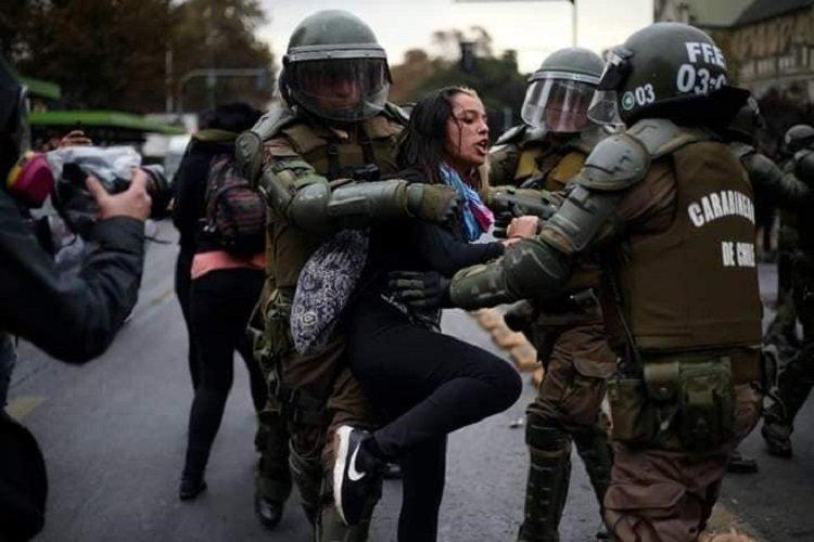 Buscan penalizar a Carabineros que instruyan o ejecuten agresiones sexuales en contra de detenidos