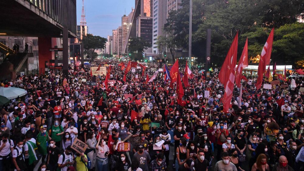 Fora Bolsonaro: Brasil se levanta contra política genocida del gobierno