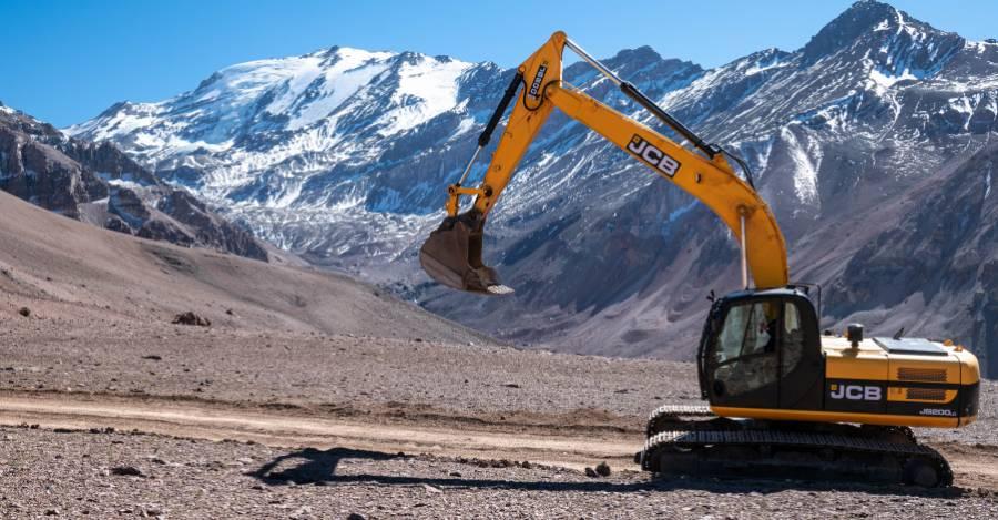 Justicia acoge recurso presentado por comunidades Quechua ante daños patrimoniales en Cerro El Plomo