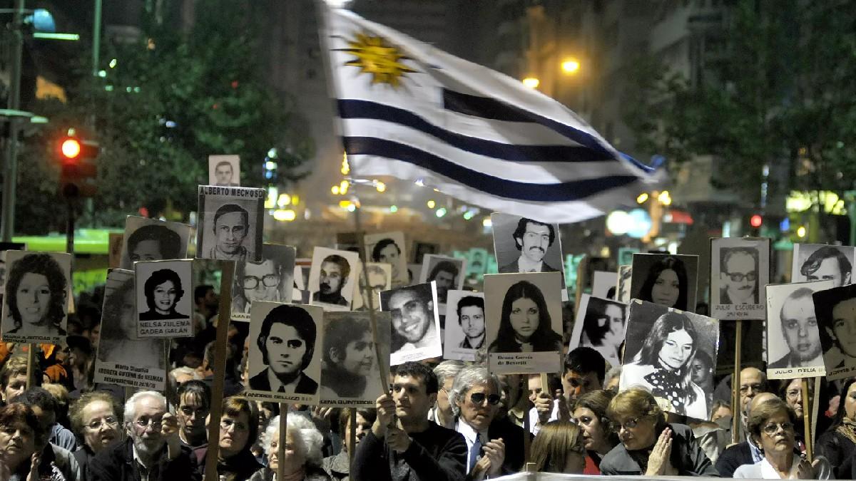 Uruguay: Ministerio de Defensa entrega archivos sobre la dictadura a familiares de desaparecidos