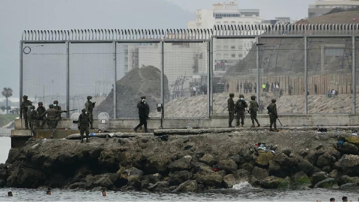 (Video) Continúa la llegada masiva de migrantes a Ceuta y desencadena una crisis diplomática entre España y Marruecos