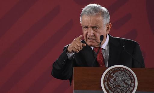 ¡La entrega de tarjetas sí es delito!: López Obrador