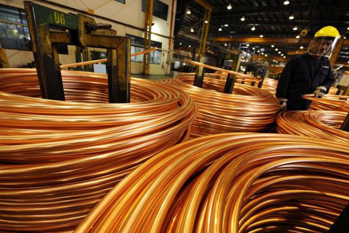 Precio del cobre rompe récord mientras Chile Vamos busca bloquear Royalty Minero ante el TC