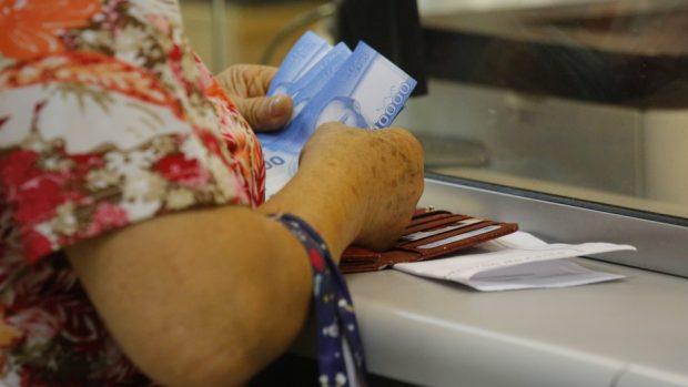 Fundación Sol propone Renta Básica de Emergencia con aporte de $790 mil para familias de cuatro personas