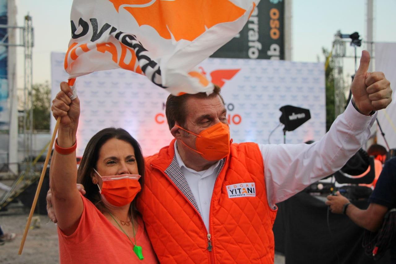 Yitani Ortega arranca contienda en autocinema