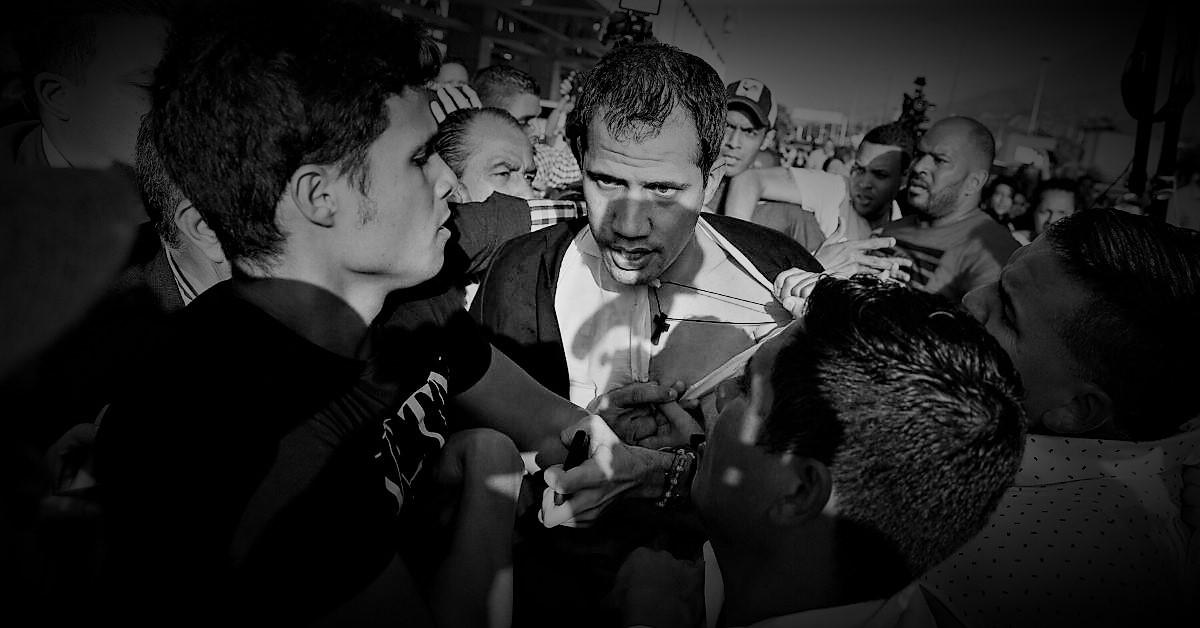 Y de la noche a la mañana EEUU dejó de llamar 'presidente interino' a Juan Guaidó