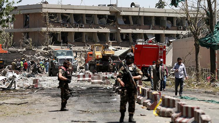 30 muertos y 82 heridos al explotar bomba en escuela secundaria de Kabul