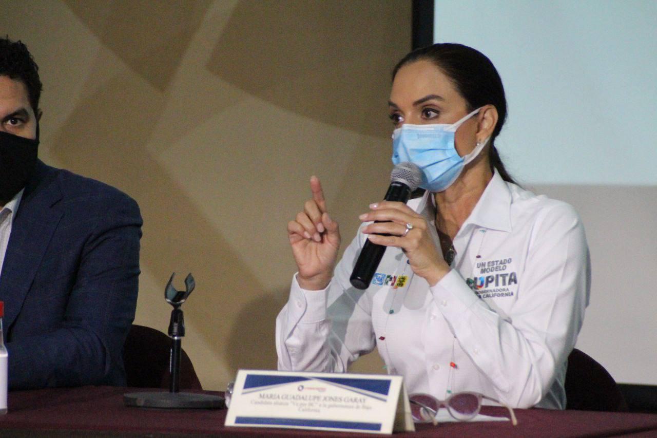 La candidata a la gubernatura de Baja California, Lupita Jones