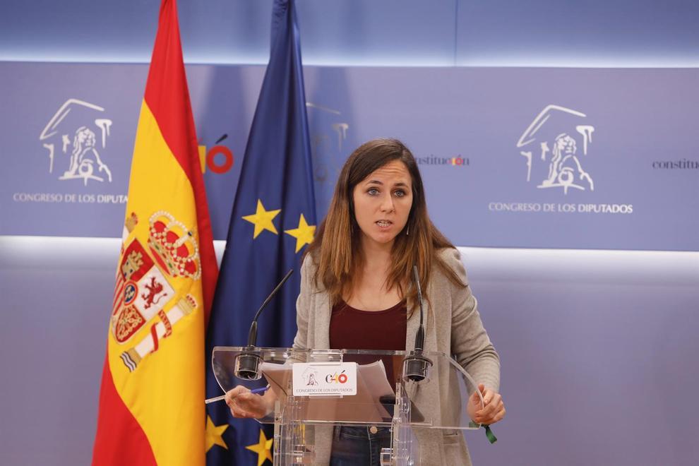 La ministra española de Derechos Sociales se postula como sucesora de Pablo Iglesias
