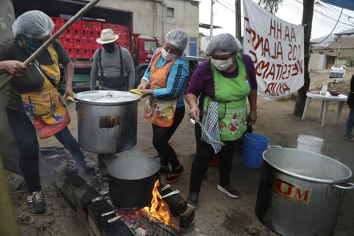 Investigación señala que el 68% de las iniciativas solidarias en pandemia han sido lideradas por mujeres