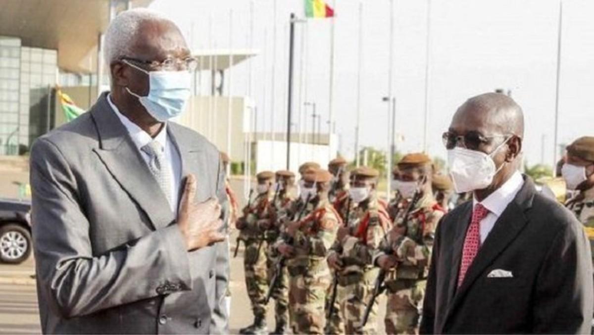 Los militares liberan al presidente interino y al primer ministro de Malí