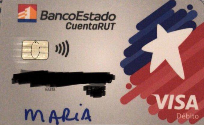 Clientes de BancoEstado denunciaron recibir tarjetas de CuentaRUT con nombres escritos a mano