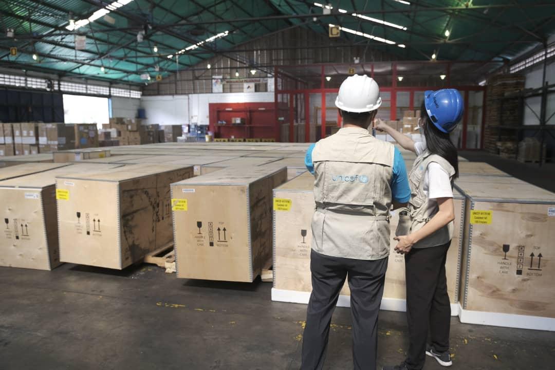 Unicef dona a Venezuela congeladores para vacunas contra el covid-19