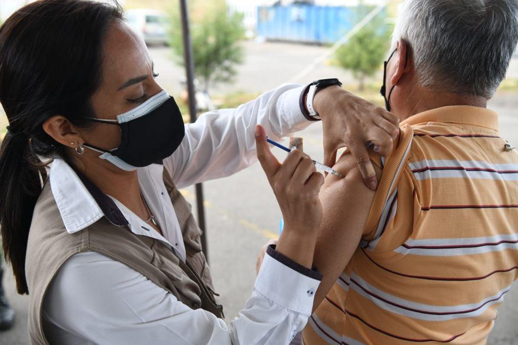 OMS pone como ejemplo a Chile para demostrar que las vacunas no son toda la solución a la pandemia