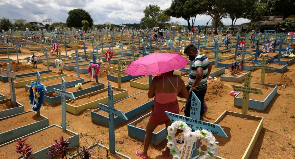 Brasil traspasó este fin de semana la barrera de los 500.000 muertos por coronavirus