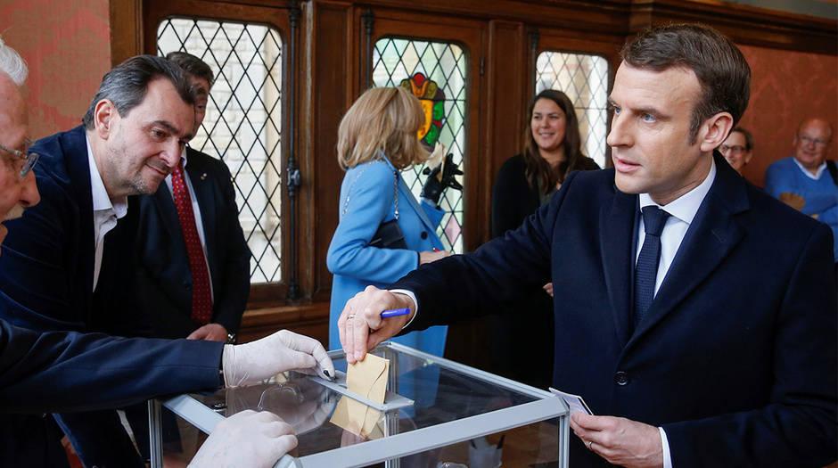 En Francia celebran segunda vuelta de elecciones regionales en un proceso  marcado por la abstención