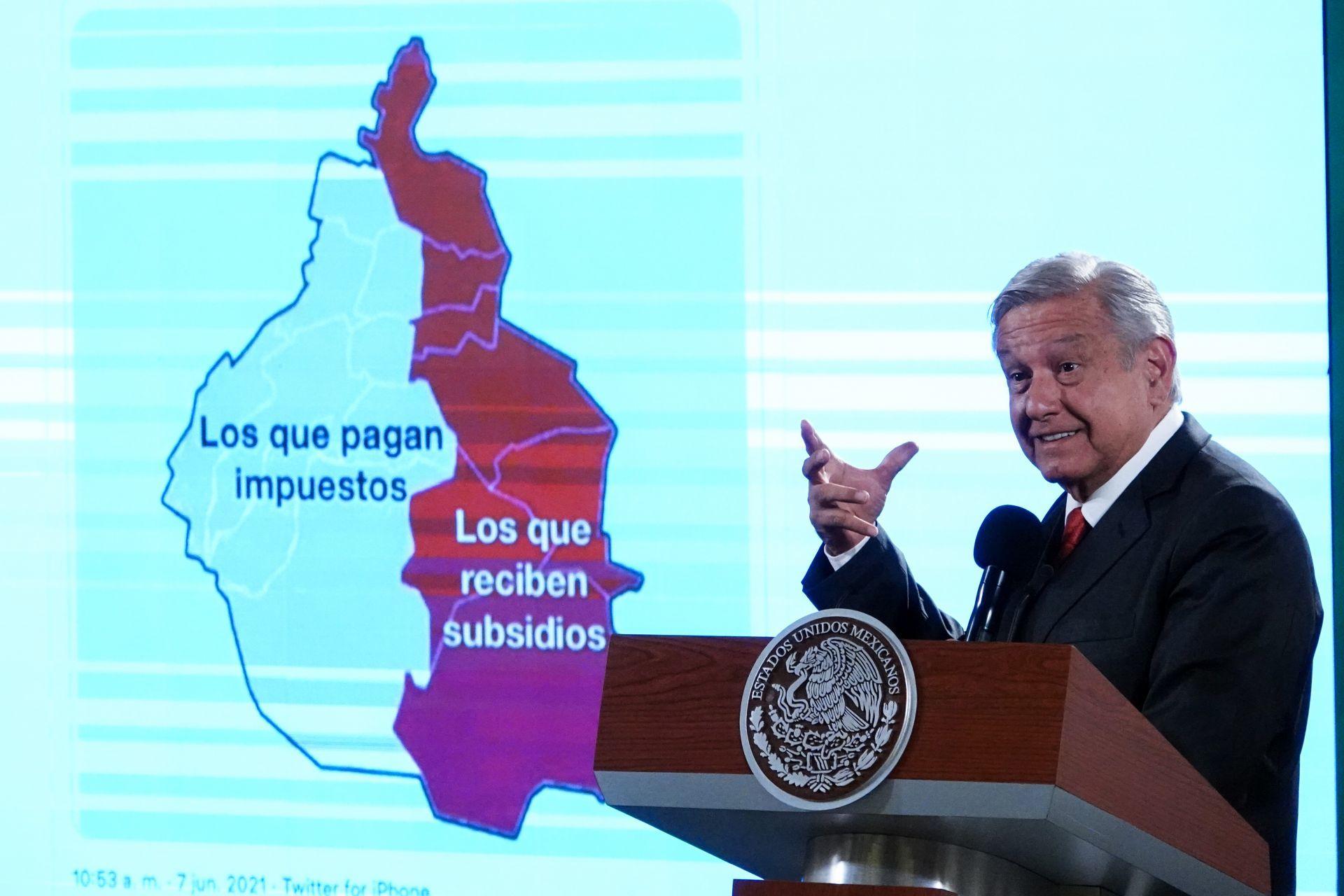 Andrés Manuel pide perdón a víctimas de la represión