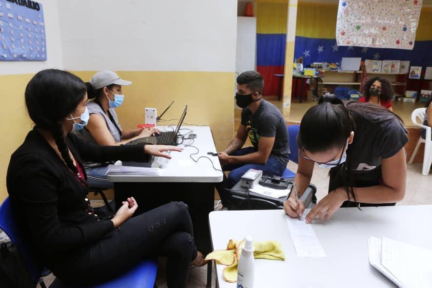 Megaelecciones 21N: CNE venezolano cuenta 138.792 nuevos inscritos en el registro electoral