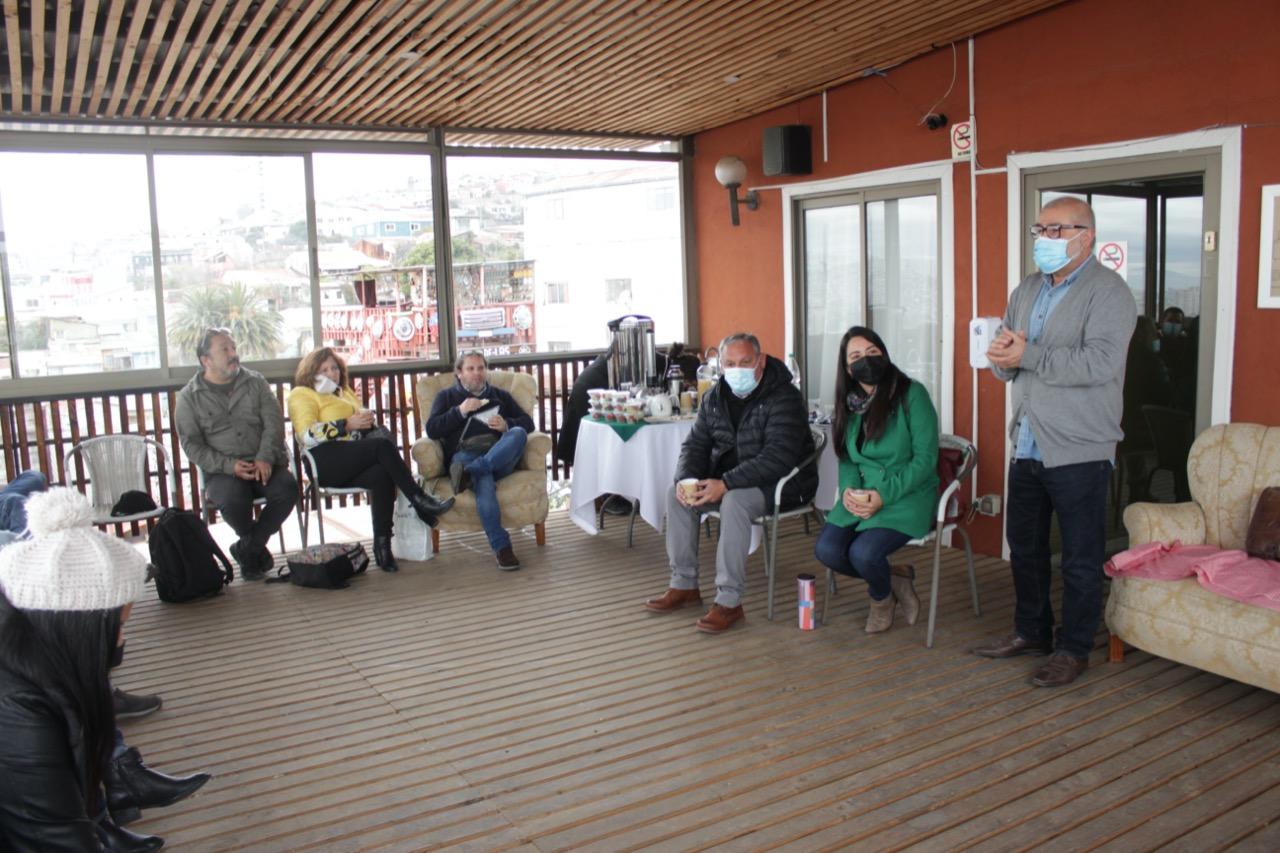 Gobernador electo Rodrigo Mundaca se reunió con multigremiales del rubro turístico de Valparaíso