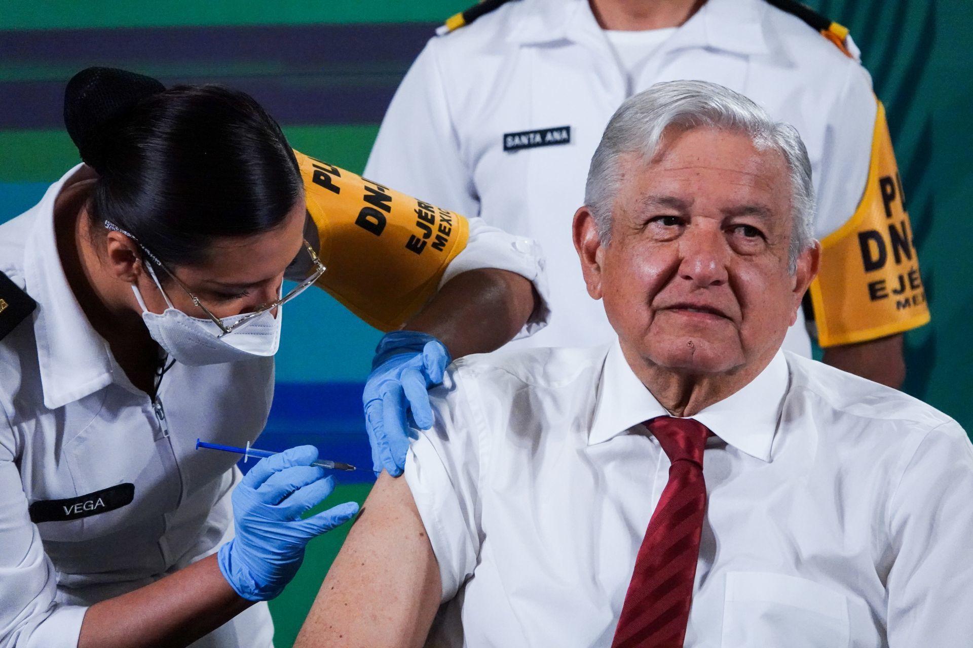 AMLO completa esquema de vacunación antiCovid