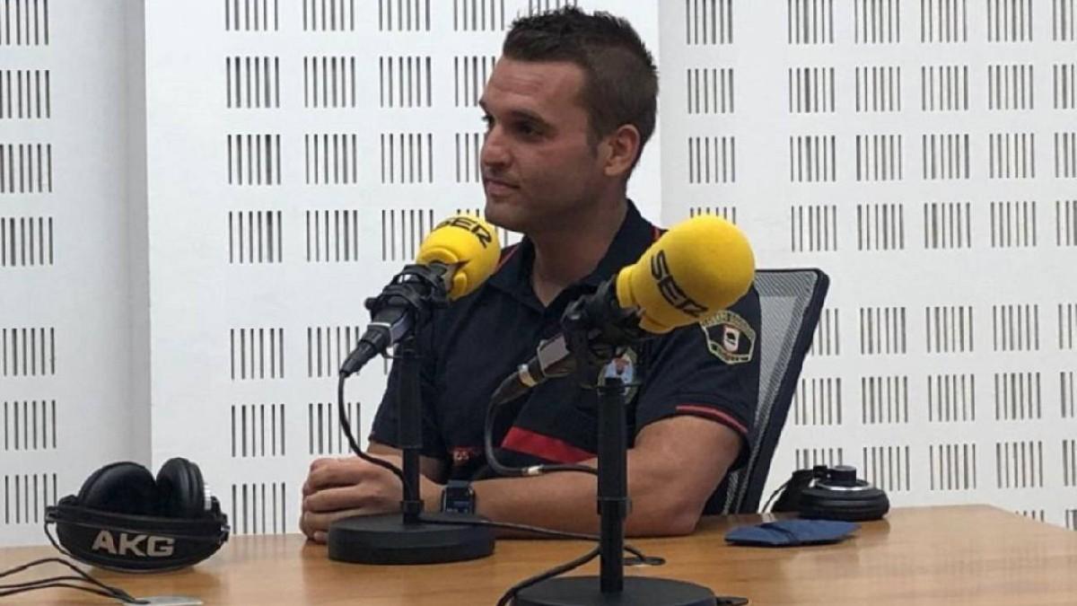 Bombero Antonio Martínez:  «Aunque el suicida esté a punto de saltar, siempre es importante invertir tres minutos en informarte en todo lo posible sobre él y sus circunstancias»