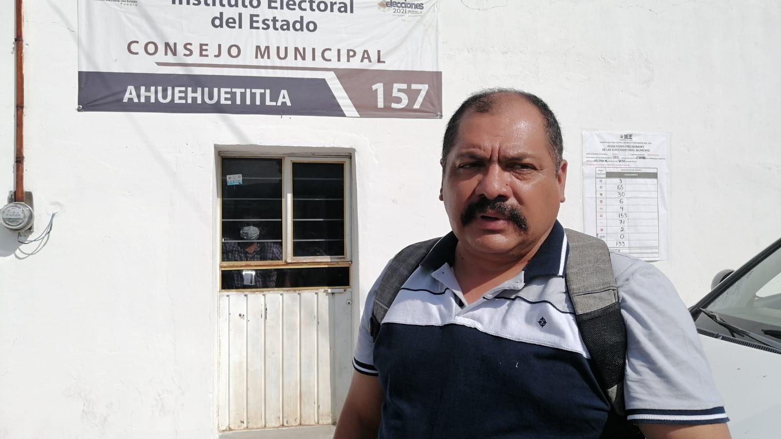 Adán Calixto, quien habría ganado las elecciones en Ahuehuetitla bajo la figura de candidatura no registrada