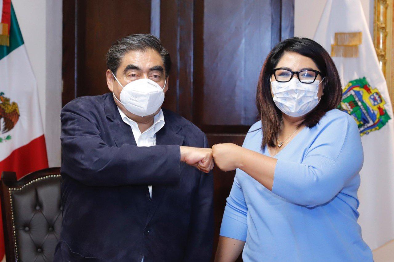 Miguel Barbosa y Genoveva Huerta, líder el PAN en Puebla, se reúnen en Casa Aguayo