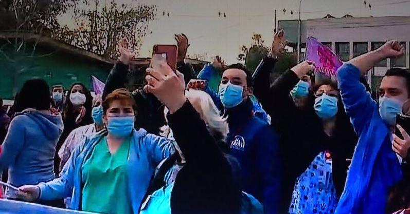 «Queremos descanso»: Trabajadores del Hospital Barros Luco protestan tras un año de labores ininterrumpidas con turnos de 24 horas