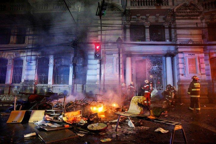 Formalizan a funcionario municipal por manifestar que «quemaría nuevamente» el edificio de El Mercurio de Valparaíso