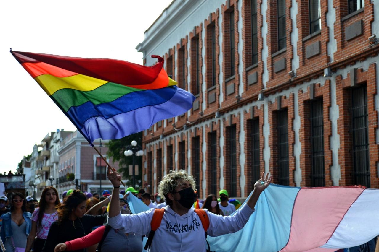 Puebla en resistencia: lesbifeministas y trans marchan para visibilizarse