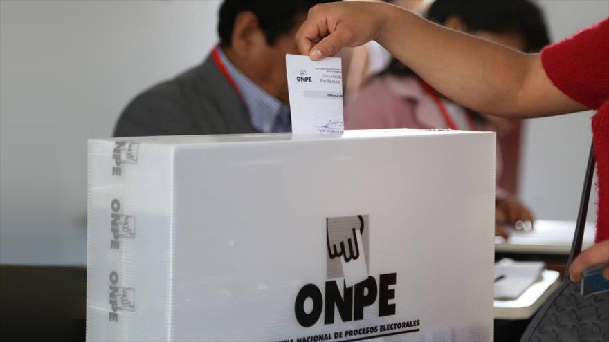 Ministerio de Defensa de Perú reitera su compromiso de «respetar la voluntad ciudadana»