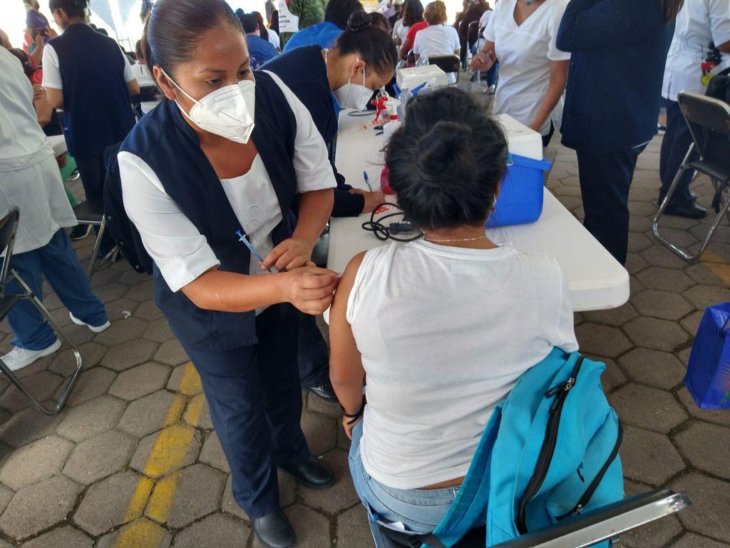 Vacunación en 56 municipios poblanos, de la zona Sur Oriente