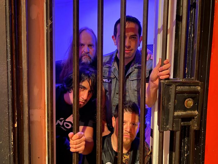 Wolf lanza su nuevo álbum 'Mal Camino'