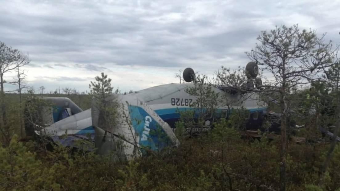 El avión de Siberia no pudo seguir su vuelo porque se le congelaron los motores