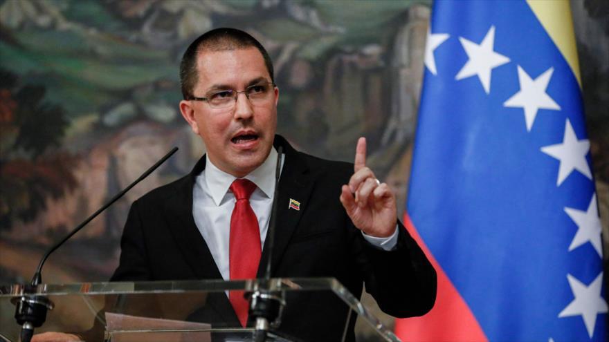 Arreaza a Colombia: otra vez usan a Venezuela para tratar de ocultar la tragedia de su país