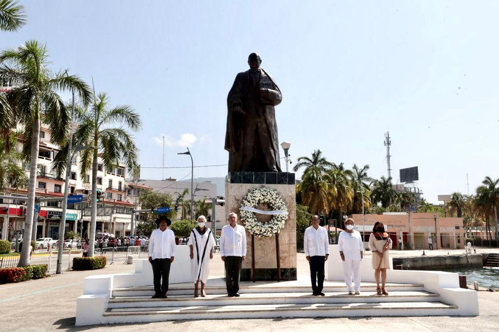 AMLO preside 149 aniversario luctuoso de Benito Juárez