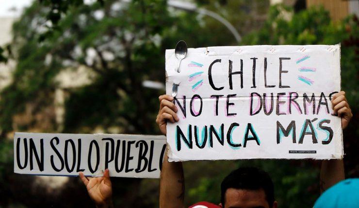 Sintetizan propuestas del movimiento popular por un sistema de educación público, comunitario y popular en Chile