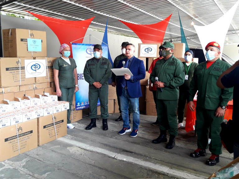 Venezuela entrega a su población insumos médicos incautados por ventas ilegales