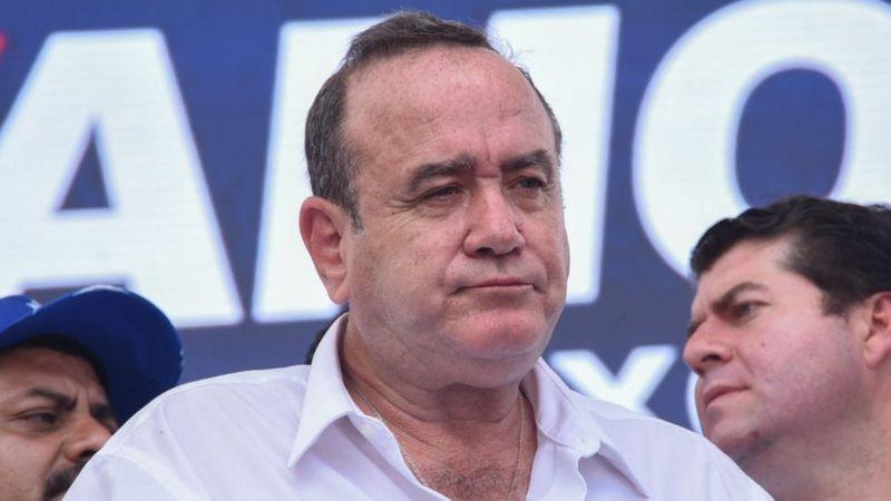 Presidente de Guatemala califica protestas de «ilegales» y emitirá decreto para limitarlas