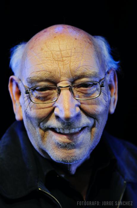 Hoy se lanza libro 'Poesía' de Juan Radrigán