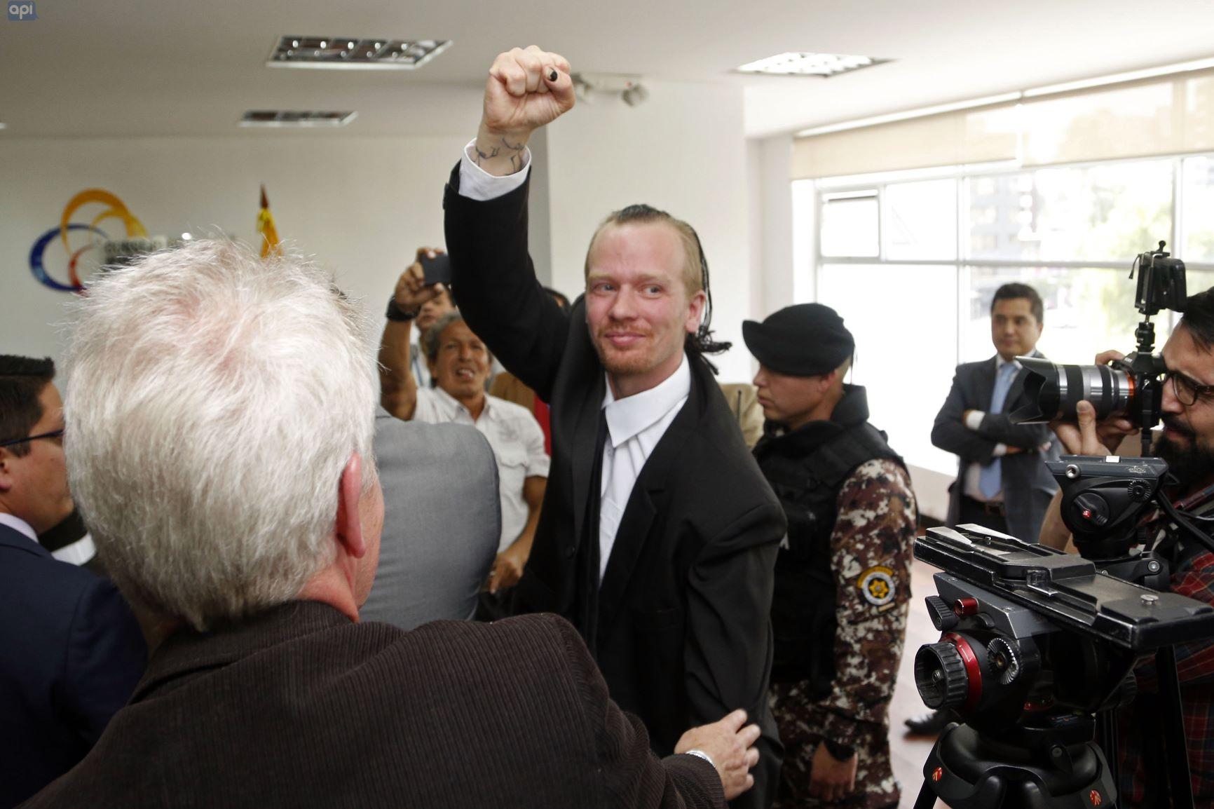 Ola Bini, el amigo de Julian Assange detenido en Ecuador que denuncia «fraude procesal» en su contra