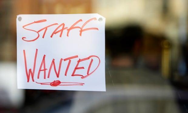 Reino Unido: cadenas de suministro de alimentos «al borde del fracaso» por falta de mano de obra