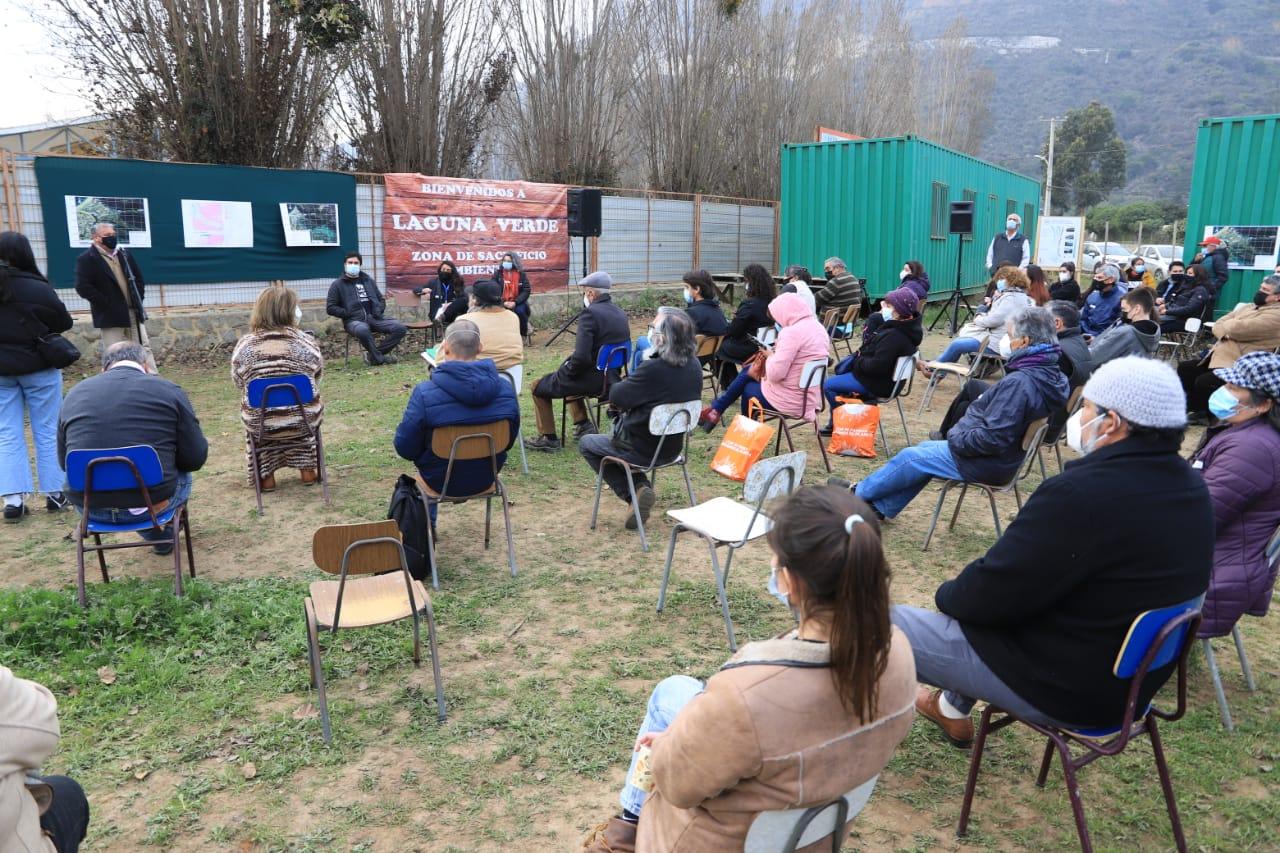 Vecinos de Laguna Verde realizan cabildo ciudadano sobre crisis hídrica con presencia del gobernador Rodrigo Mundaca