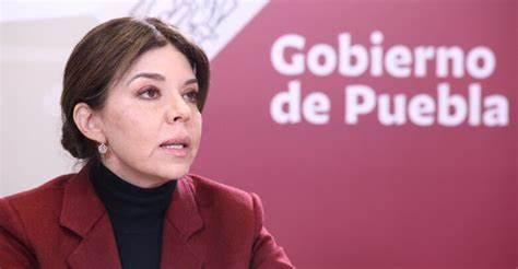 Se separa Rosa Urtuzuástegui de Secretaría de Administración del Gobierno del  Estado de Puebla