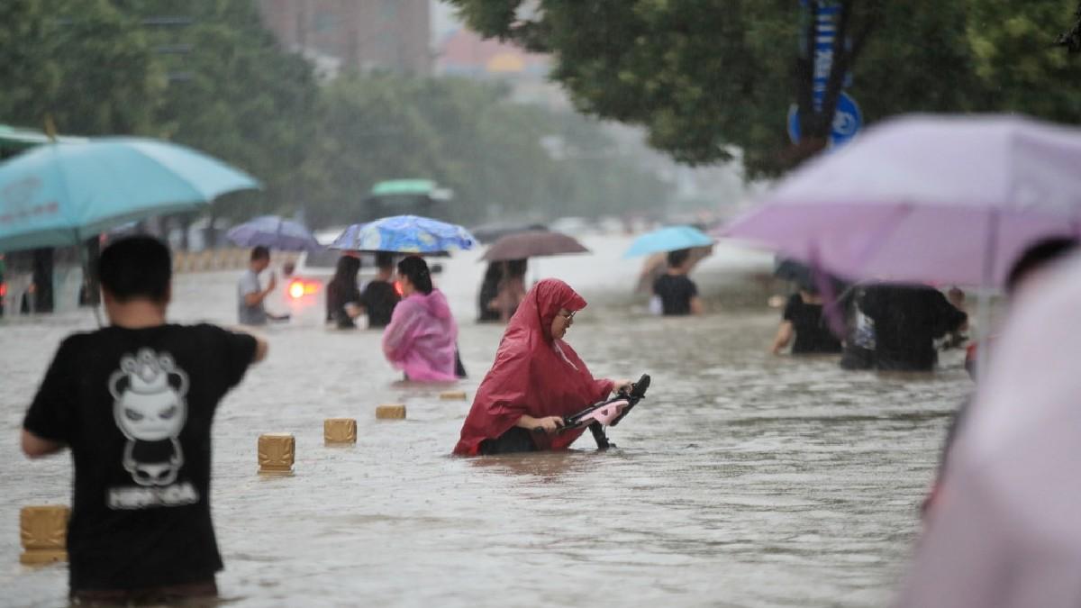 (Video) Presidente de China califica de graves las inundaciones en el centro del país