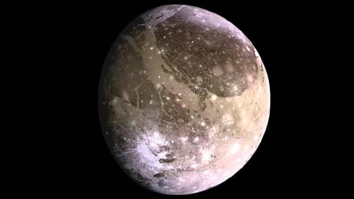 Descubren vapor de agua en luna de Júpiter